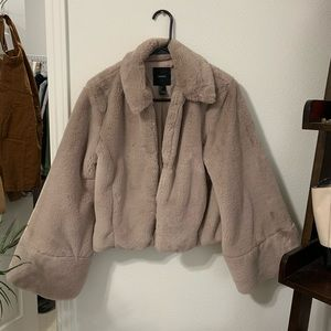 Forever 21 fur jacket/ worn once!!